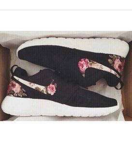 Nike Roshe Run Flowers